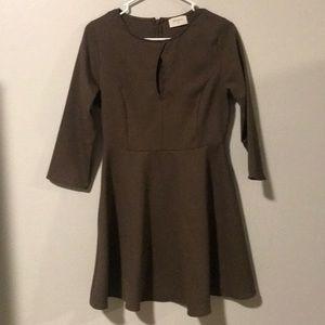 Everly Long Sleeve Key Hole Dress Medium